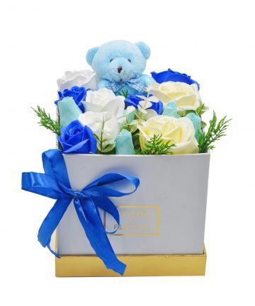 Cutie CADOU cu urs trandafiri, 25 cm