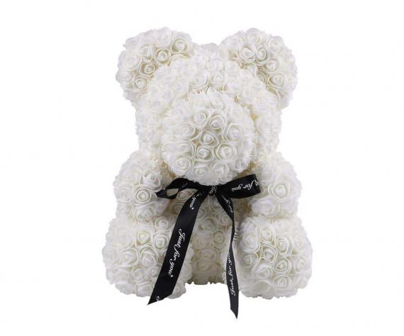 Cutie cadou cu urs din trandafiri de spuma