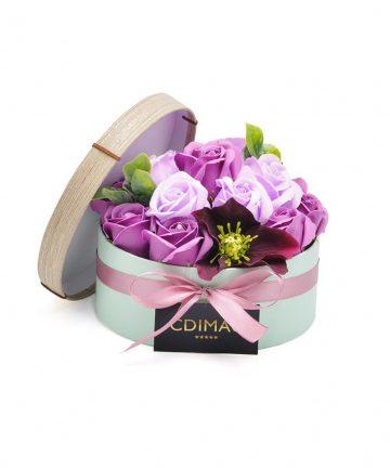 Cutie cu flori de sapun si flori artificiale
