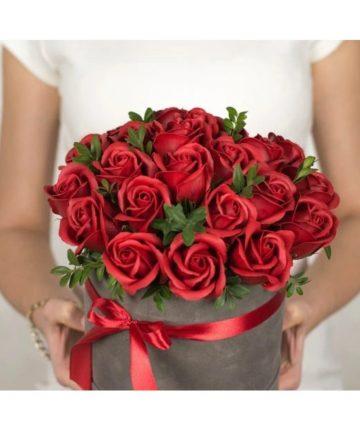 Cutie de catifea cu trandafiri de sapun, 25 cm -1